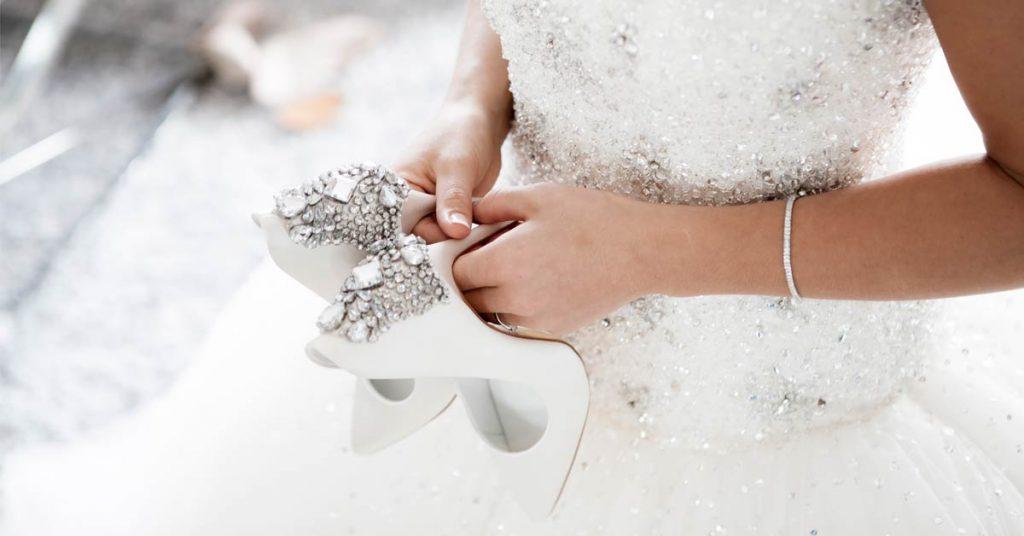 120anteprima-sito-infografica-scelta-scarpe-sposa-alchiadiluna.-1024x536